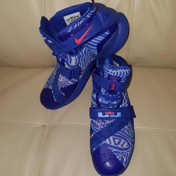 7e82b0045e6 Nike LeBron James soldier 9 LE freegums. M 5c1282775c44521208dec02e